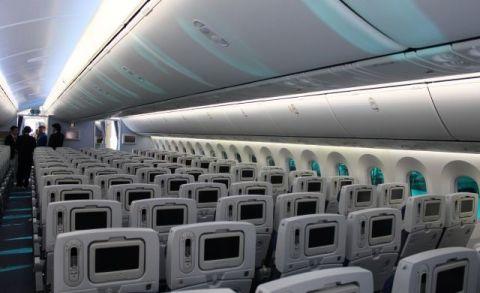 L'interno del Boeing 787 Dreamliner