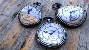 58076-clocks