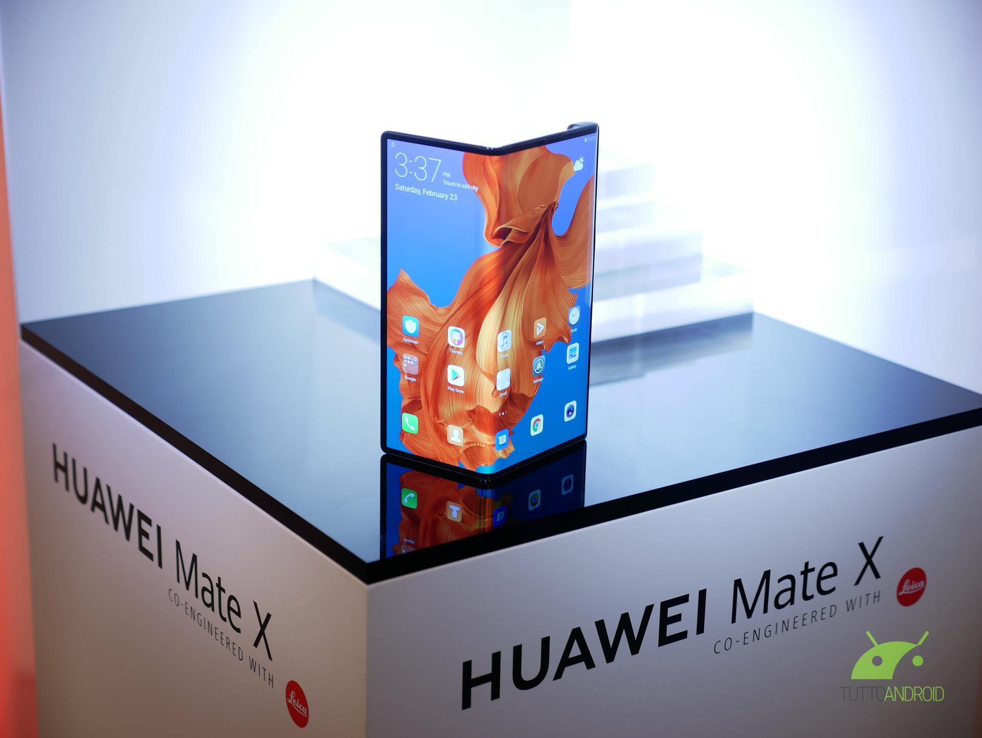 Huawei Mate X sbarcherà in Europa con Tre