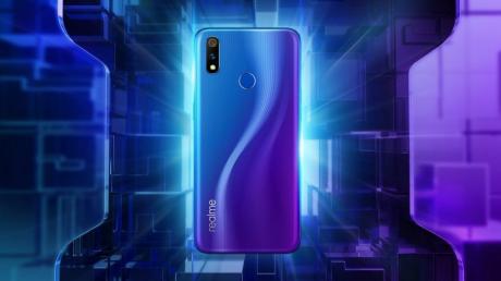 Realme 3 Pro e Realme C2 annunciati in India con notch a goccia e batteria da 4 000 mAh