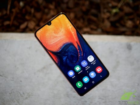 Samsung Galaxy A30, Galaxy A40 e HONOR 10 si aggiornano migl